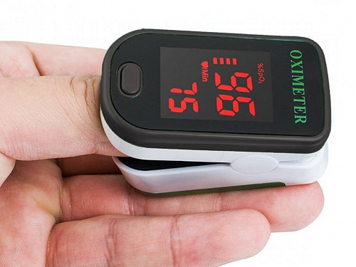 Pulse Oximeter with LED display in black